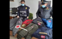 Guardia di Finanza, sequestro, capi di abbigliamento, marchi contraffatti
