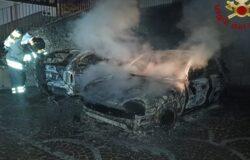 INCENDIO, Auto, fiamme, paura, centro storico