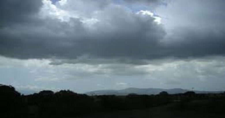 Instabile, prevalenza di nuvole ovunque con qualche rovescio