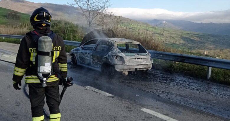 auto, fiamme, Trivento, salvo, conducente