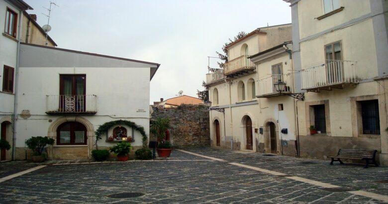 piazzetta Sanfelice is