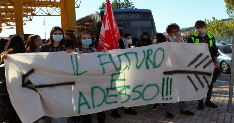 """Sciopero, clima, """"il futuro è ora"""", studenti, Campobasso"""